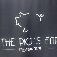 Foto diambil di The Pig's Ear oleh Steph C. pada 10/20/2012