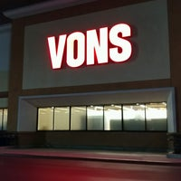 Photo taken at VONS by アダム H. on 2/17/2017