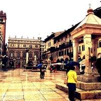 10/28/2012에 Fawaz A.님이 Piazza delle Erbe에서 찍은 사진
