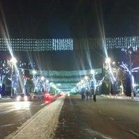 Photo taken at Площадь Независимости | Mustaqillik Maydoni by Aziz M. on 12/28/2012