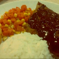 Photo taken at Kenny Rogers Roasters by Nikko P. on 11/1/2012