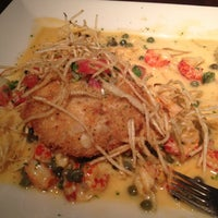 Photo taken at Pappadeaux Seafood Kitchen by Nicole H. on 11/5/2012