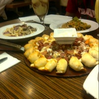 Photo taken at Pizza Hut by Siti_fadlilah d. on 7/28/2013