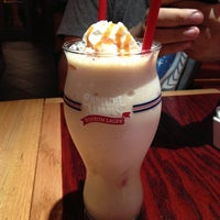 Photo taken at Red Robin Gourmet Burgers by Heather M. on 10/3/2012