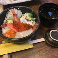 Photo taken at 海陽亭 小樽本店 by しんふぉ on 3/30/2017
