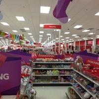 12/2/2012 tarihinde Kevin M.ziyaretçi tarafından Target'de çekilen fotoğraf