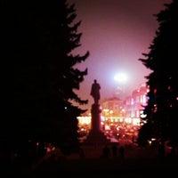 Foto scattata a Площа Героїв Майдану / Heroes of Maidan square da Anna S. il 11/27/2012