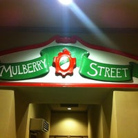 รูปภาพถ่ายที่ Mulberry Street Pizzeria โดย Nancy H. เมื่อ 9/20/2012
