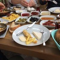 3/18/2018 tarihinde Özdemir Ç.ziyaretçi tarafından Göl-Et Cafe & Restaurant'de çekilen fotoğraf