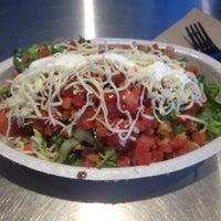 9/3/2013 tarihinde Michael C.ziyaretçi tarafından Chipotle Mexican Grill'de çekilen fotoğraf