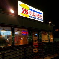Photo taken at 25 Burgers by Henry Ʊ. on 2/26/2017