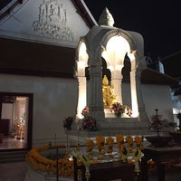 Photo taken at เทวสถาน (โบสถ์พราหมณ์) Dhevasathan (Brahmin Shrines) by Shana S. on 12/31/2016