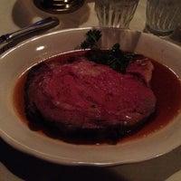 รูปภาพถ่ายที่ Kreis' Steakhouse โดย Patricia H. เมื่อ 10/8/2013