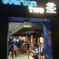 1/24/2013에 John C.님이 Everton Two Official Club Store에서 찍은 사진