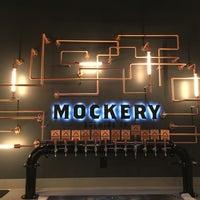 Foto tirada no(a) Mockery Brewing por Andrew V. em 12/21/2014