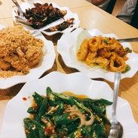 Photo taken at Restoran Cina Muslim Mohd Chan Abdullah by Amelya J. on 8/6/2017