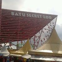 Photo taken at Batu Secret Zoo by Benny C. on 6/4/2013