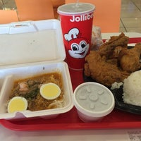 Photo taken at Jollibee by Belle G. on 10/31/2014