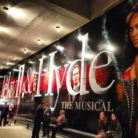 Foto tirada no(a) Marquis Theatre por Kelly B. em 4/6/2013