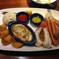 Photo taken at Red Lobster by Mariana P. on 7/24/2013