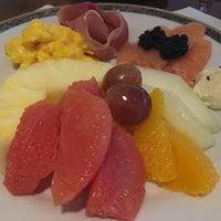 Foto tomada en St. Regis Restaurante por Jonghyun C. el 10/7/2017