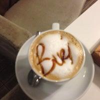 8/25/2013 tarihinde Erdem H.ziyaretçi tarafından Burj Cafe'de çekilen fotoğraf