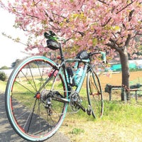 Photo taken at 鶴見川青少年サイクリングコース始点 by 弦達 on 3/5/2016