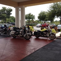 Photo taken at Holiday Inn Express & Suites St. Petersburg North (I-275) by Manuela O. on 6/14/2013