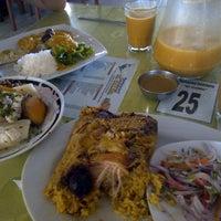 Photo taken at Restaurant El Califa by Noe Nathaly V. on 12/9/2013