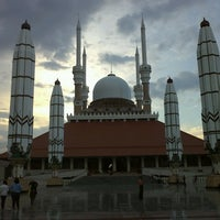 Photo taken at Masjid Agung Jawa Tengah (MAJT) by Mof O. on 3/12/2013