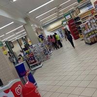 Photo taken at Supermercados Líder by Léo R. on 2/7/2013