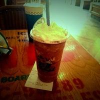 Photo taken at The Coffee Bean & Tea Leaf   香啡缤 by 可爱 多. on 7/30/2014