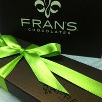 Foto tirada no(a) Fran's Chocolates por Ron M. em 8/2/2013