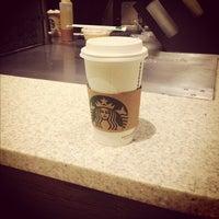 Foto scattata a Starbucks da Jahanzaib M. il 10/3/2012
