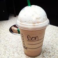 Foto scattata a Starbucks da Jahanzaib M. il 10/14/2012