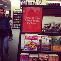 Photo taken at Barnes & Noble by Jahanzaib M. on 2/2/2013
