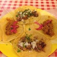 Foto tomada en Tacos Chapultepec por Mery el 12/8/2012