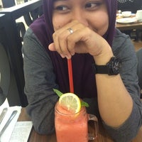 Photo taken at Pizza Hut by Muhamad Z. on 7/31/2016