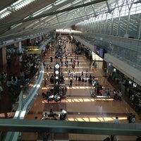 Photo taken at Tokyo (Haneda) International Airport (HND) by えすえる ぜ. on 6/30/2013