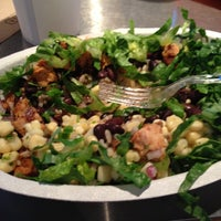 Photo taken at Chipotle Mexican Grill by Steve D. on 10/12/2012