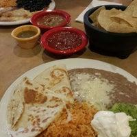5/20/2014 tarihinde Mandyziyaretçi tarafından La Tapatia Mexican Restaurant and Cantina - Concord'de çekilen fotoğraf