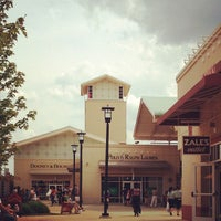 Photo taken at Chicago Premium Outlets by Rudy on 7/4/2013