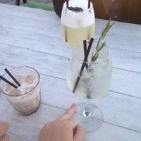 Снимок сделан в Botaniqué Bar пользователем Iuliia L. 8/20/2015