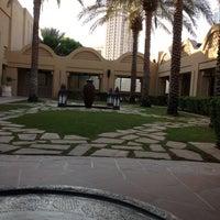 11/19/2012 tarihinde Sirine H.ziyaretçi tarafından One and Only Royal Mirage Resort'de çekilen fotoğraf
