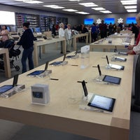 Photo taken at Apple Syracuse by Dawn G. on 10/3/2012