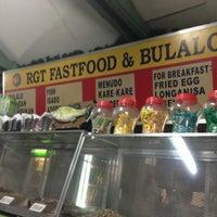 5/2/2013 tarihinde Mikhail d.ziyaretçi tarafından RGT Fastfood & Bulalohan'de çekilen fotoğraf