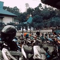 Photo taken at Fakultas Ilmu Sosial dan Ilmu Politik Universitas Mulawarman by Bear H. on 3/9/2013