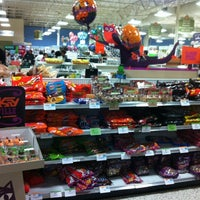 Photo taken at Publix by Jeannette kyungmin K. on 10/31/2012
