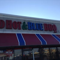Photo taken at Red Hot & Blue  -  Barbecue, Burgers & Blues by Selene S. on 2/23/2014