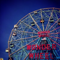 Photo taken at Deno's Wonder Wheel by Yu L. on 10/14/2012